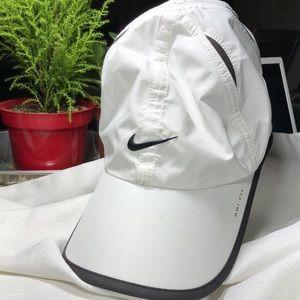 NIKE Dri-Fit Black White Adjustable Baseball cap
